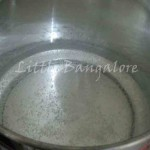 Water in idly cooker for boiling